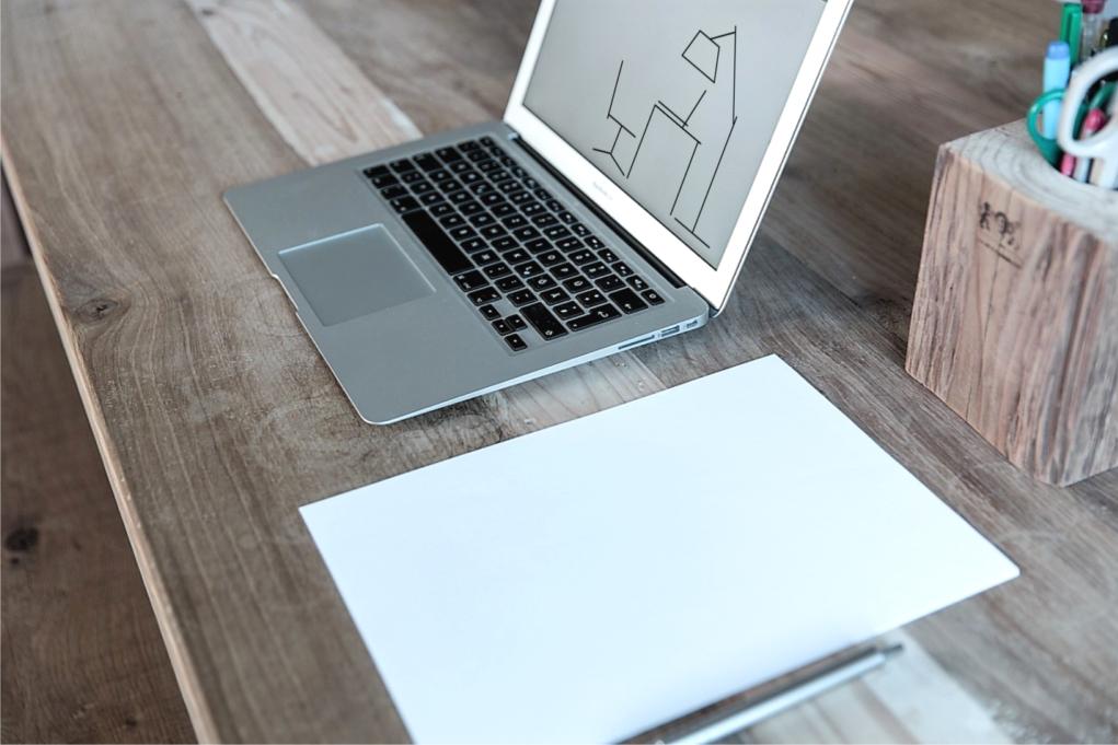 bureau_met_logo - advies op maat bureau van c